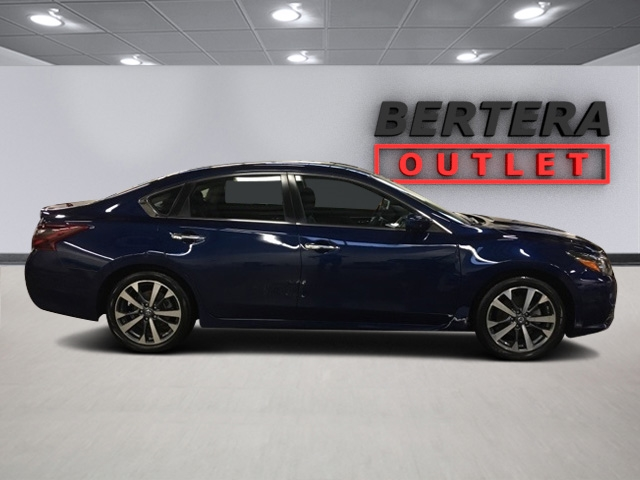pre-owned 2017 nissan altima 2.5 sr 4d sedan in west springfield