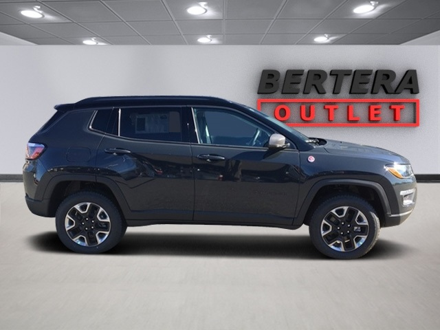 new 2018 jeep compass trailhawk sport utility in west springfield j30148 bertera cjdr of west. Black Bedroom Furniture Sets. Home Design Ideas
